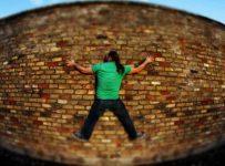 entrepeneur-droit-dans-mur